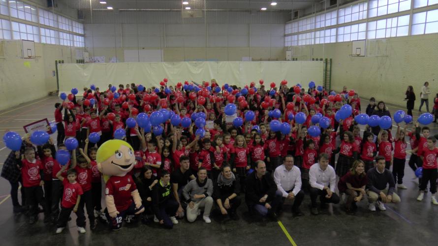 Jugadores y directivos de Osasuna visitaron el colegio dentro de las actividades del Aula Rojilla